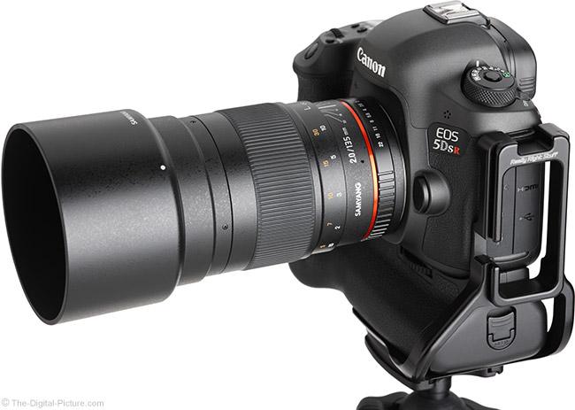 Samyang 135mm f/2 ED UMC Lens Angle View with Hood