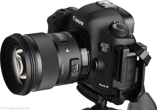 Sigma 50mm f/1.4 DG HSM Art Lens on EOS 5D Mark III – Angle View