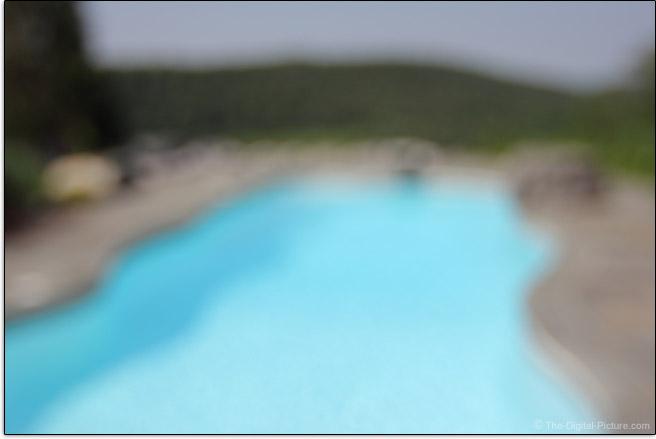 Tokina 12-28mm f/4.0 AT-X Pro DX Lens Max Background Blur