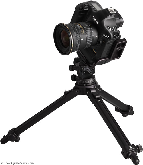 Tokina 17-35mm f/4 AT-X Pro FX Lens on Canon EOS 1Ds Mark III on Tripod