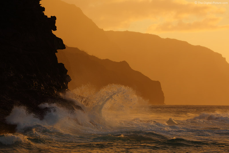 Wave on Na Pali Coast