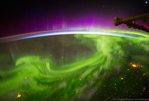"""IMAX Film 'A Beautiful Planet' Features """"Out Of This World"""" Canon 4K Imagery"""