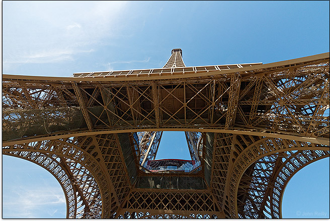Canon EF-M 11-22mm f/4.5-5.6 IS STM Lens Sample Eiffel Tower