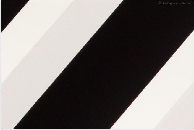 Canon TS-E 90mm f/2.8L Tilt-Shift Macro Lens Lateral Chromatic Aberration Example