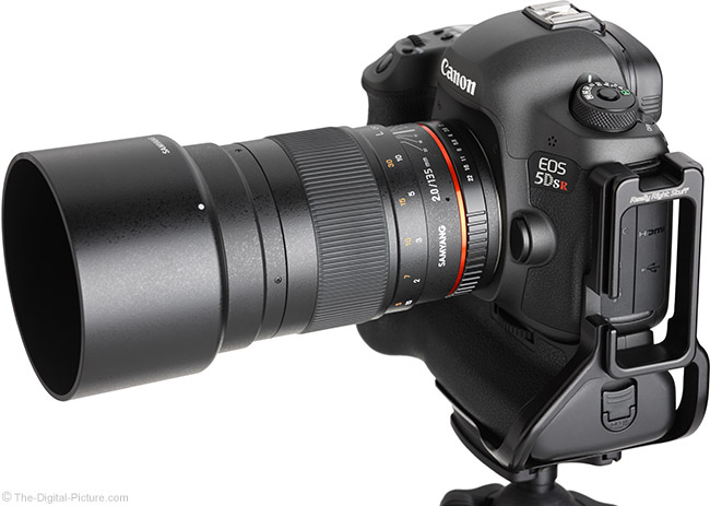 Samyang 135mm f/2 ED UMC Lens Angle View with Hood