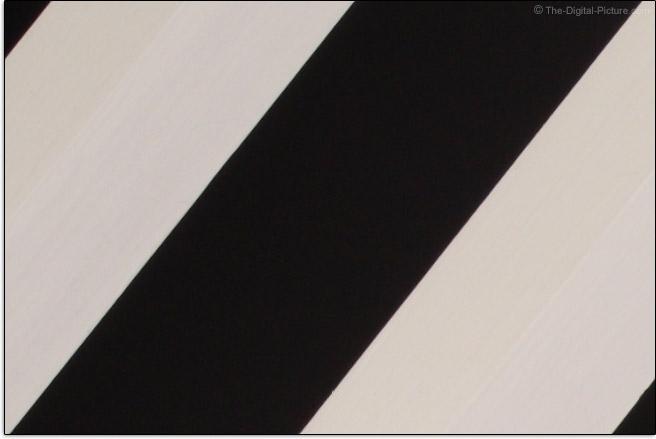 Sigma 105mm f/1.4 DG HSM Art Lens Lateral Chromatic Aberration Example