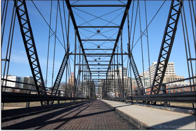 Sigma 28mm f/1.4 DG HSM Art Lens Bridge Sample Picture