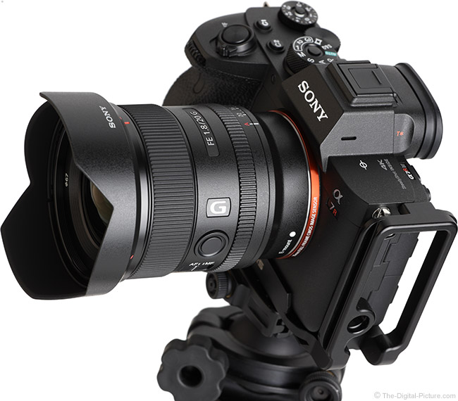 Sony FE 20mm f/1.8 G Lens Angle View with Hood