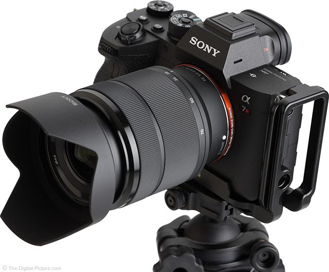 Sony FE 28-70mm f/3.5-5.6 OSS Lens Angle View Extended with Hood