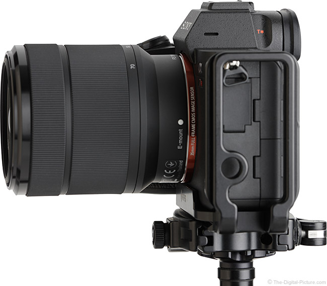 Sony FE 28-70mm f/3.5-5.6 OSS Lens Side View