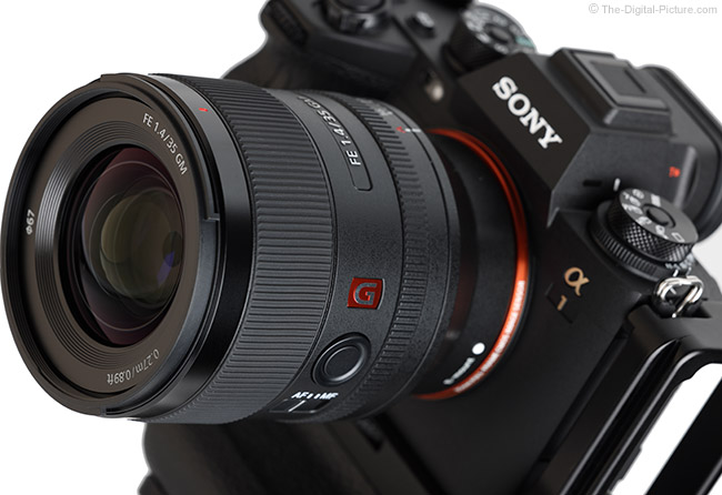 Sony FE 35mm f/1.4 GM Lens Angle View