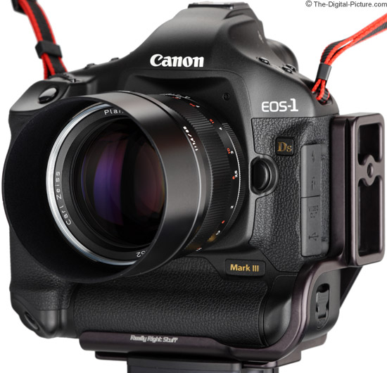 Mounted on Canon EOS-1Ds Mark III