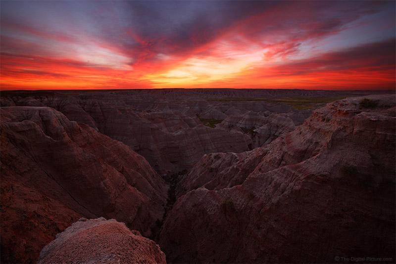 Canon R5 and RF 15-35 Expose a Big Badlands Sunrise, Badlands National Park